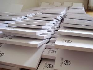 Nekonečné moře zápisníků pro kompletaci