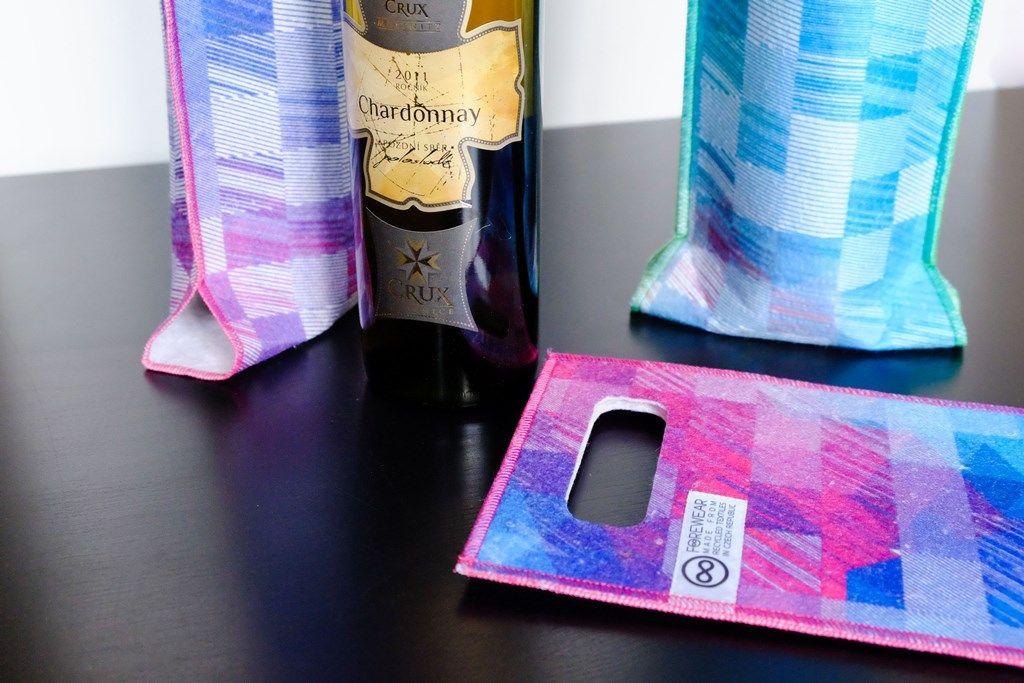 Ladí ksobě skvěle - láhev vína adárková taška zrecyklovaného textilu FOREWEAR