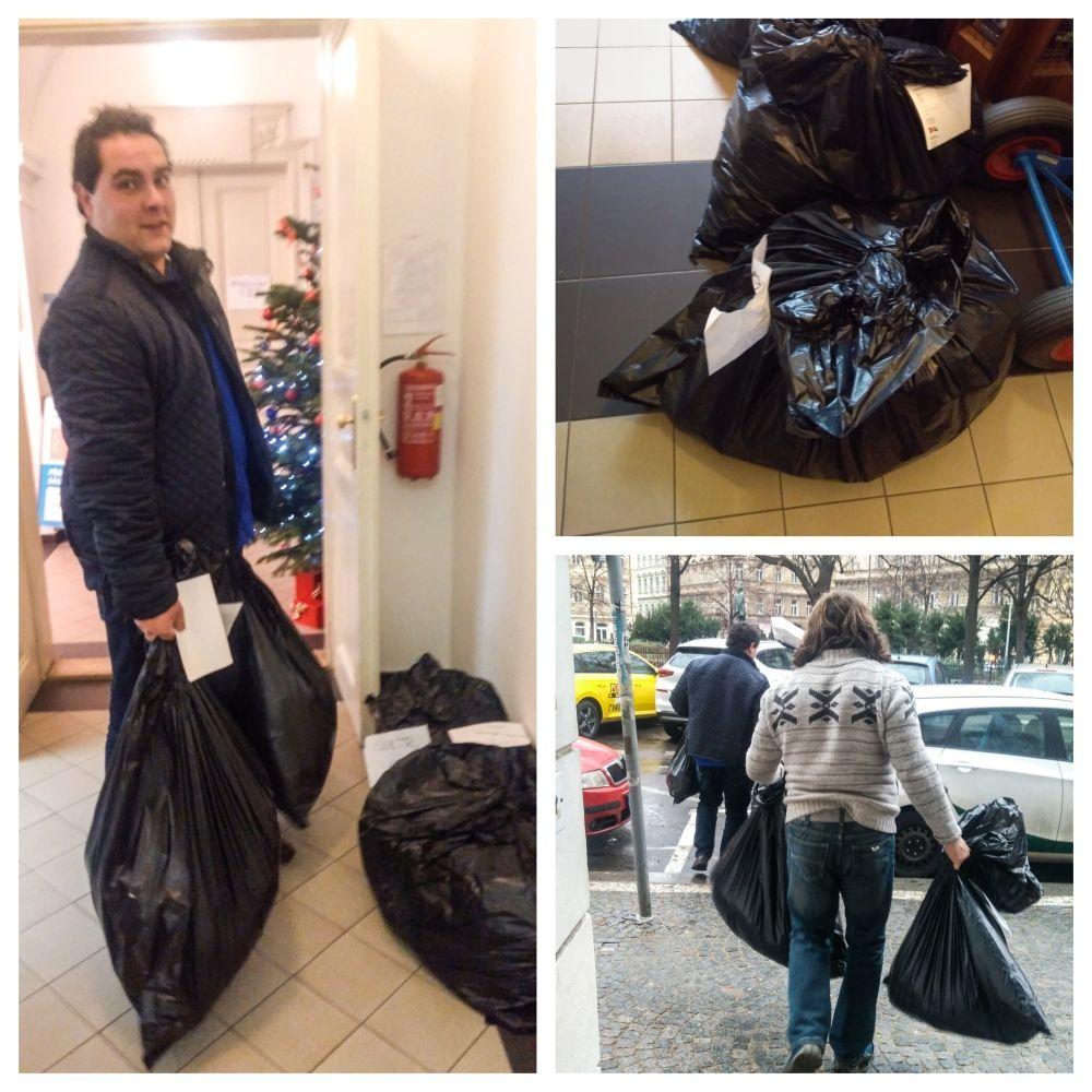 Skvělá spolupráce s pány z textilky, kteří si pro tuto malou várku oblečení přijeli až do Prahy - děkujeme :)