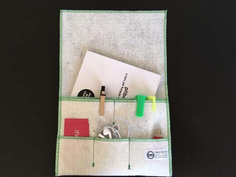 Prototyp recyklované multifunkční kapsy FOREWEAR