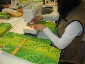 Výroba 100 ks obalů vchráněné šicí dílně